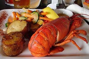 Пивной ресторан гостиницы Вега славится лобстером с овощами к пиву
