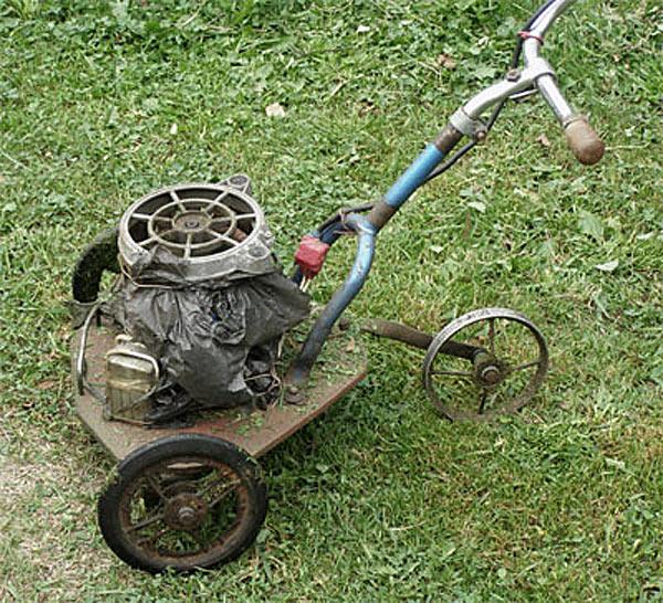 Самодельная газонокосилка со старым пылесосом в качестве движка