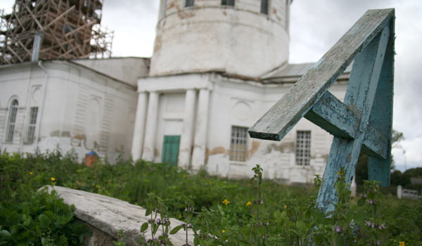 Свежие фото Спасо-Покровского храма в данном материале предоставлены сайтом maloarhangelsk.ru.