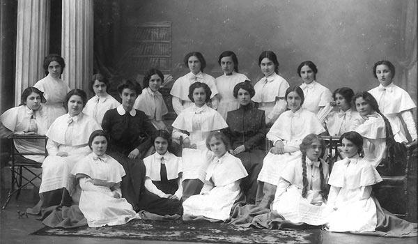 выпуск Орловского Александринского института благородных девиц 1912-13 годов