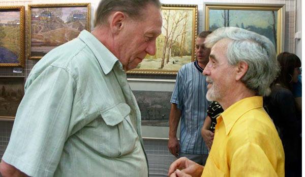 Михил Никифоров (справа)