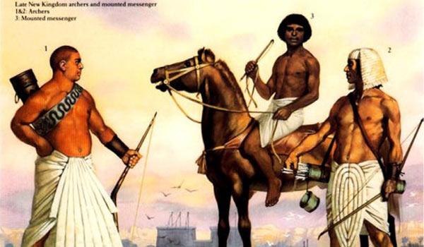 Лучники и конный гонец позднего Нового Царства: 1,2 — лучники; 3 — гонец.