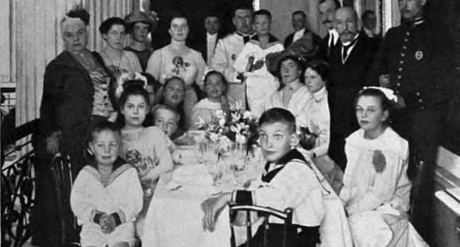 Золотая свадьба А. А. и Е. М. Куракиных.
