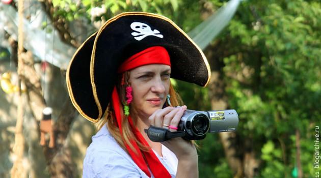 Снимается пиратское видео.