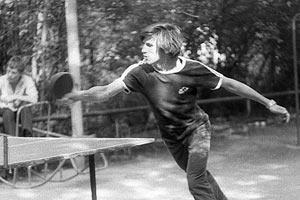 Вот так я в молодости всех обыгрывал в пинг-понг