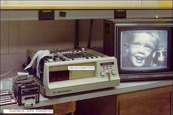 Устройство передачи визуального сигнала с кассеты на монитор