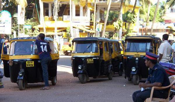 Это тоже такси на Гоа, но городские