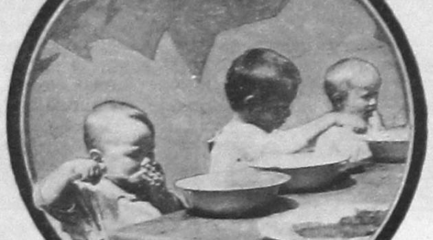 Обед в сельских детских яслях. 1927 год.